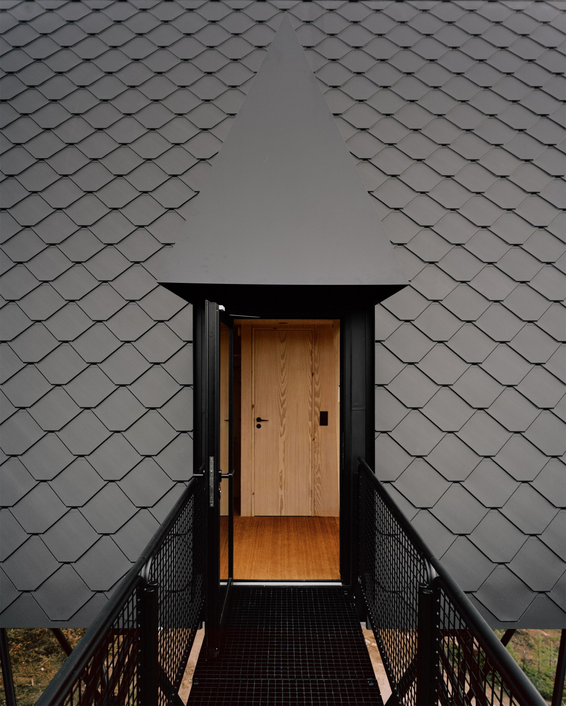 pan-treetop-cabins-espen-surnevik-woodland-architecture-norway-_dezeen_2364_col_0