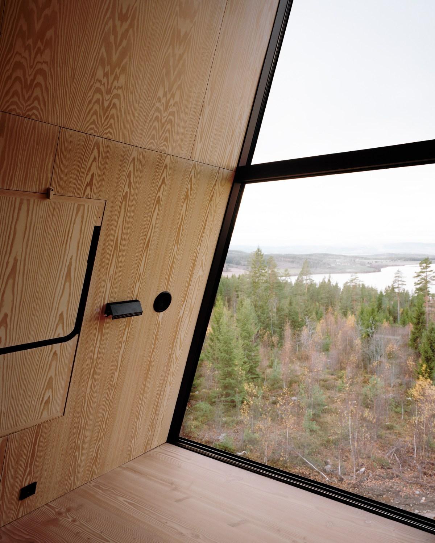 pan-treetop-cabins-espen-surnevik-woodland-architecture-norway-_dezeen_2364_col_5