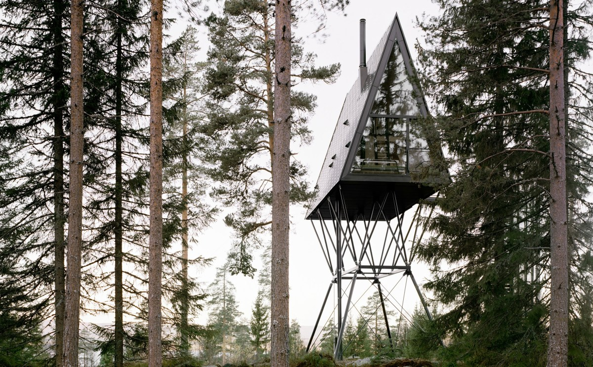 pan-treetop-cabins-espen-surnevik-woodland-architecture-norway-hero2-2