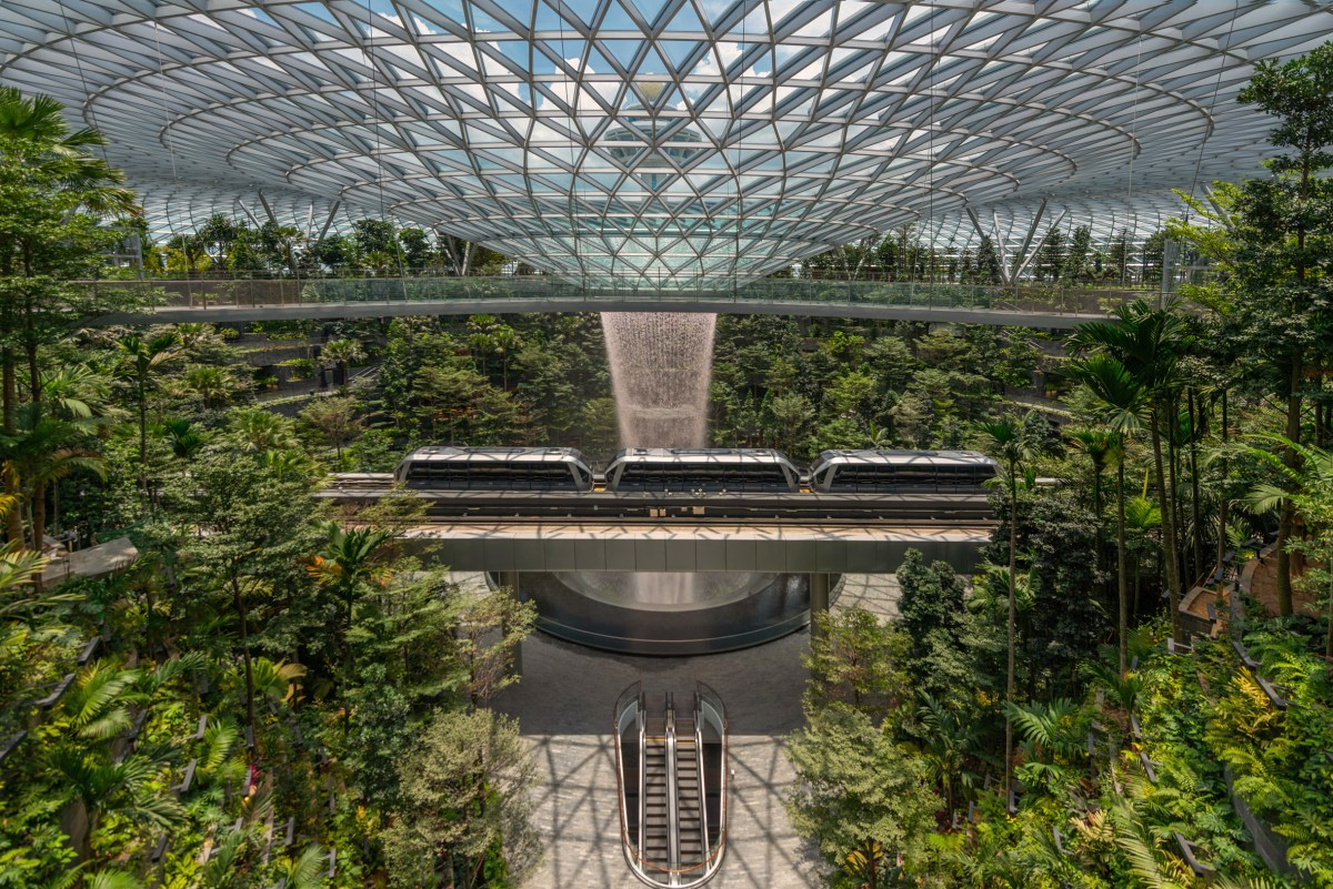 jewel-changi-airport-building-safdie-airport-2