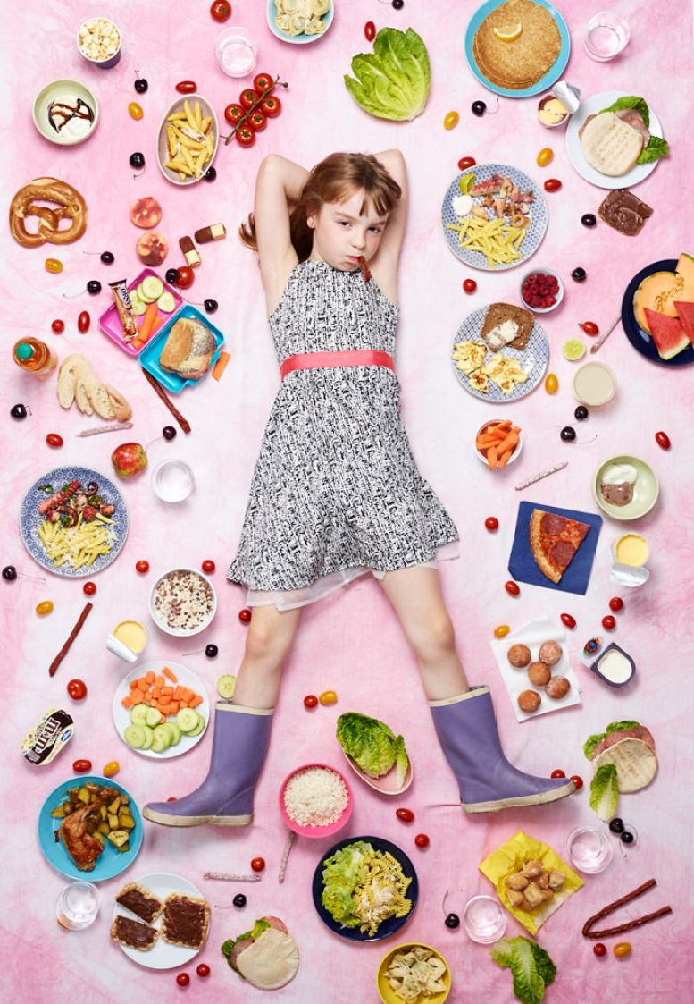 kids-surrounded-weekly-diet-photos-daily-bread-gregg-segal-15-5d11c0f5923fa__700