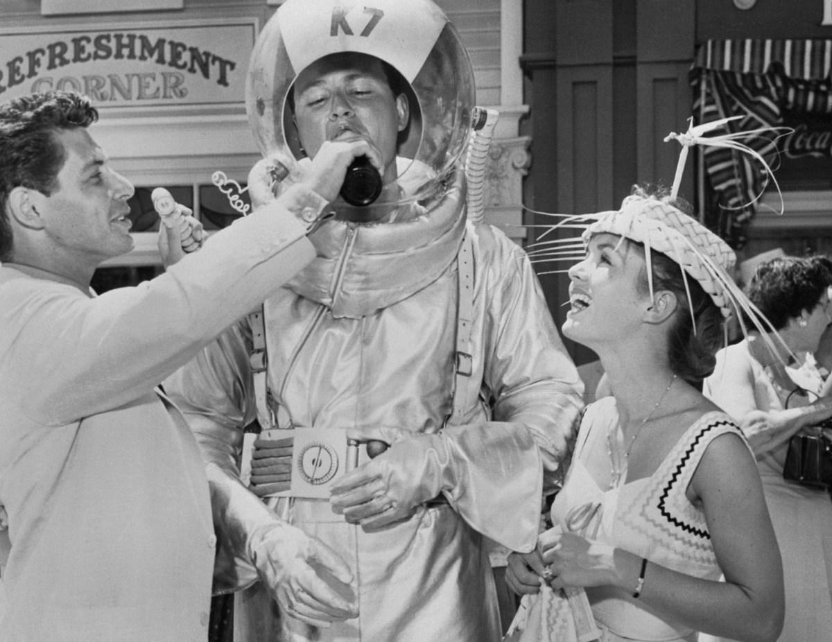 Eddie Fisher with Debbie Reynolds at Disneyland