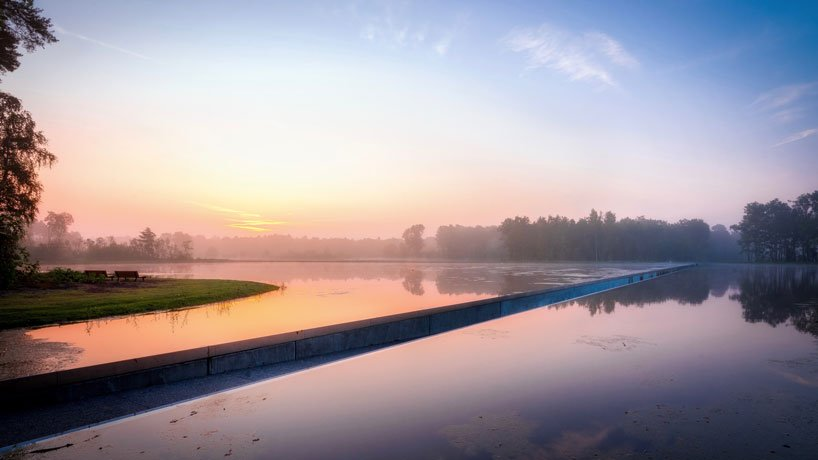 burolandschap-cycle-through-water-1