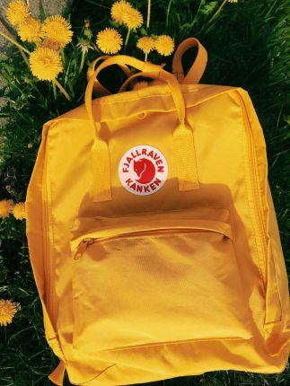 yellow kanken aesthetic ig_ @paolaamarov #yellowaesthetic yellow kanken aesthetic ig_ @paolaamarov
