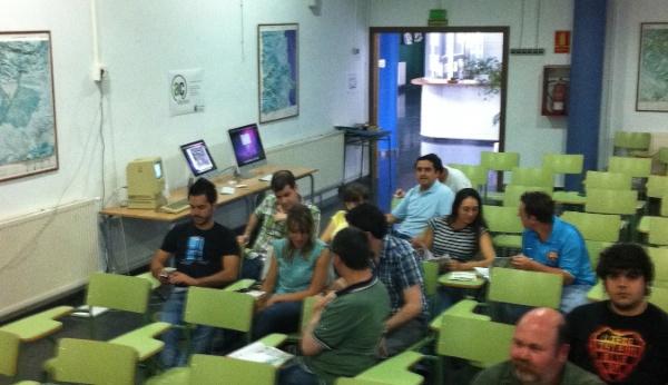 JornadesApple Ulldecona - Primers assistents a la Sala d'Actes