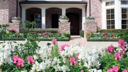 Formal English Gardens – Tanglewood, Houston