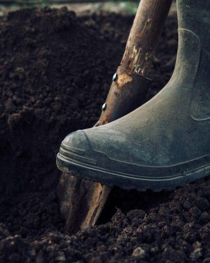 Digging Irrigation