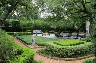 Piping Rock Historic Gardens - Backyard