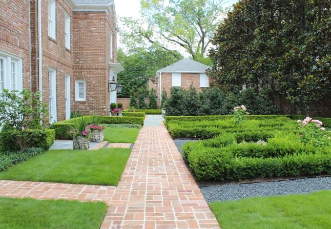 River Oaks Garden