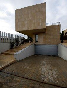 habitatge alpitat fotografia exterior façana entrada