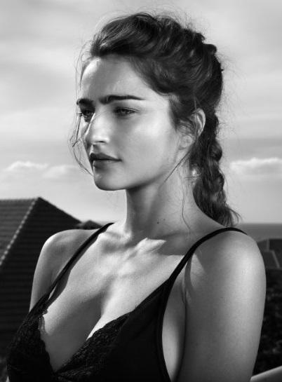 Ania Bukstein (3)