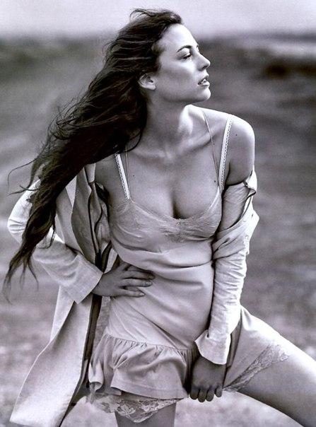 Leonor Waiting (2)