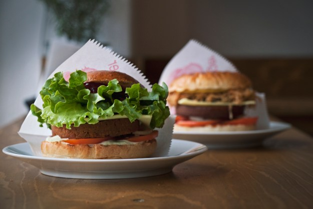 L'Herbivore best Vegan and best Vegetarian Burger Berlin