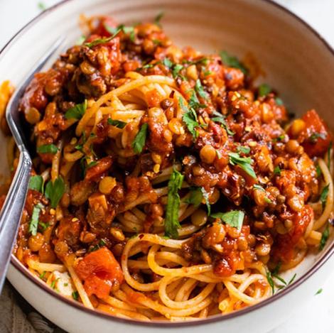 Easy Vegan Recipes | Lentil Bolognese in a bowl