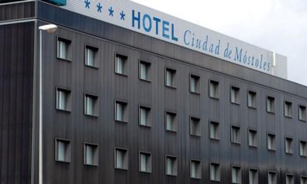El Hotel Ciudad de Móstoles despide a los sanitarios alojados desde el 27 de marzo