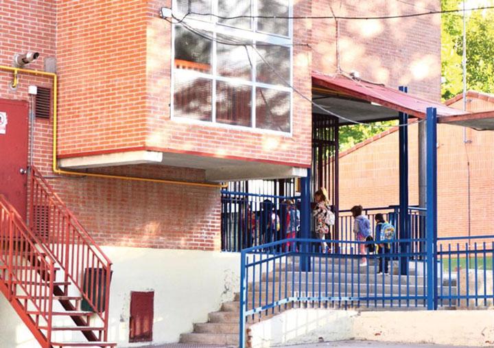 Los colegios de Móstoles retoman el curso presencial sin el servicio de auxiliares de Infantil