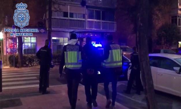 La Policía Nacional detiene a un hombre en Móstoles por robar en las taquillas del personal sanitario de varios centros de salud de Madrid