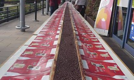 Madrid fabricará el turrón de chocolate con almendras más grande del mundo con la colaboración de Aperitivos Medina