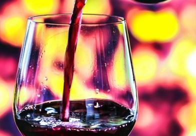 """Un total de 10 mezclas tintas chilenas fueron destacadas dentro de un total de 30 vinos seleccionados en la sección Premium de la revista inglesa Decanter. El artículo se titula """"Mezclas rojas sudamericanas: 30 grandes compras"""""""
