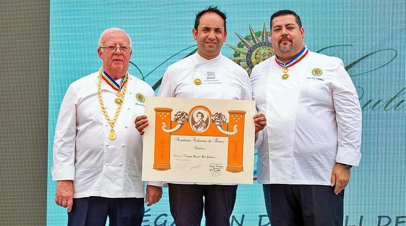 El chef Antonio Mella fue distinguido por L'Académie Culinaire de Francia