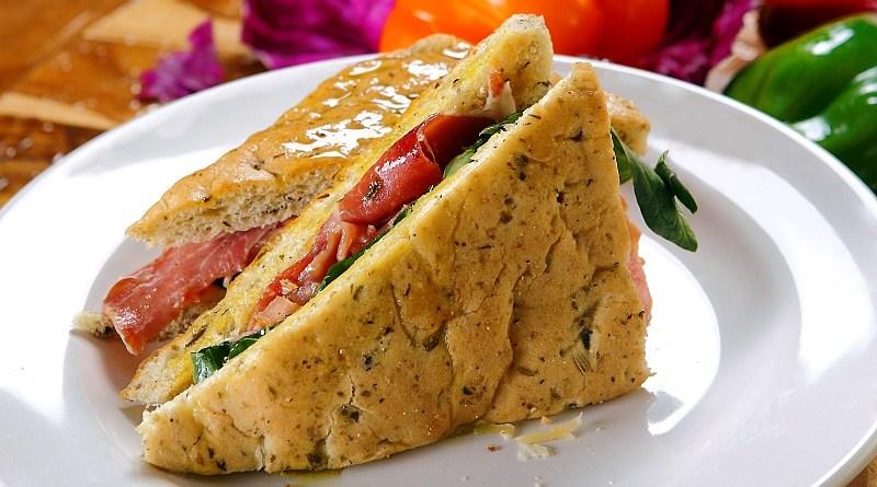 Aprende a hacer sándwiches con cerdo español con fáciles recetas