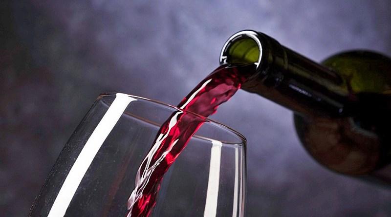 cuatro destacados sommelieres de nuestro país y les pedimos que nos detallaran cuál es su vino favorito para esta temporada