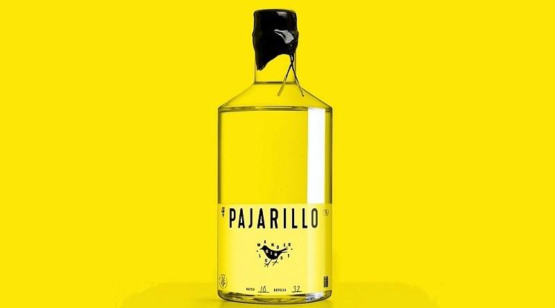 Pajarillo es el nombre del primer Gin Wanderlust (pasión por caminar) hecho en Chile. Nació de las calles de Santiago, pues se hace con botánicos producidos en la ciudad
