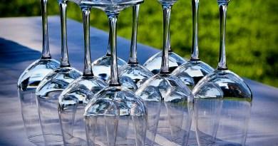 Las copas de cristal son esenciales si queremos disfrutar de ciertas bebidas. Algo muy importante, es darles el cuidado apropiado para que conserven su apariencia