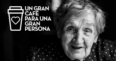 """Juan Valdez Café presenta este fin de año """"Un gran café para una gran persona"""", su campaña solidaria para acompañar a los adultos mayores en Navidad. Comprometida con ayudar y conectar a las personas por medio del café, la firma apoyará a los beneficiarios de la Fundación Villa Padre Hurtado."""