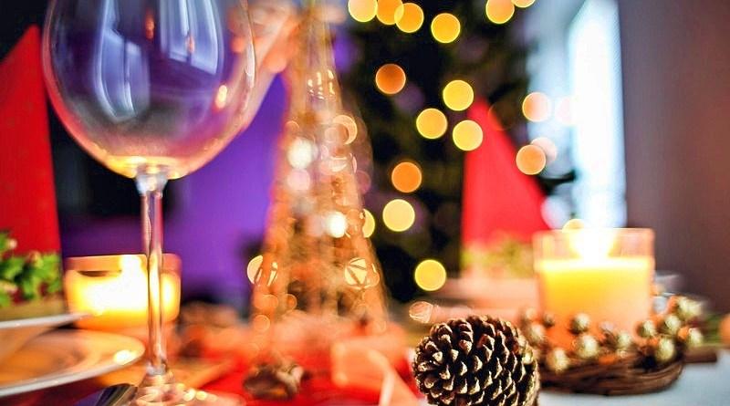Una de las advertencias que habitualmente escuchamos de los especialistas en alimentación es que comer tarde no es conveniente para la salud. Sin duda, esta es una situación que nos pone en aprietos si consideramos que quedan horas para Navidad y pocos días para Año Nuevo.