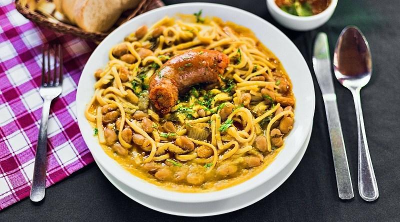 Desde el año 2009 se conmemora el Día de la Cocina Chilena, con el objetivo de reconocer el patrimonio gastronómico del país.
