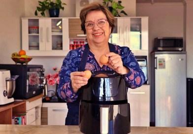 La conocida abuelita youtuber Angélica Bertín nos enseña desde 2013 sus secretos de cocina en sus redes sociales, mediante videos y fotos de sus preparaciones