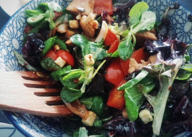 healthy meal salad with honey chicken