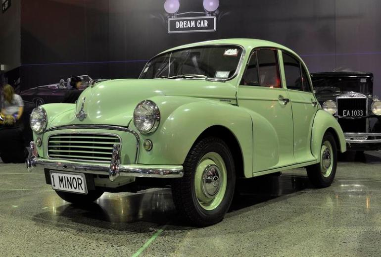 Pale green Morris Minor 1000