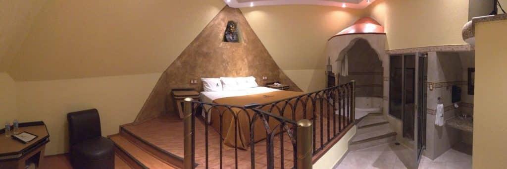 Motel Faraon Piramide puebla
