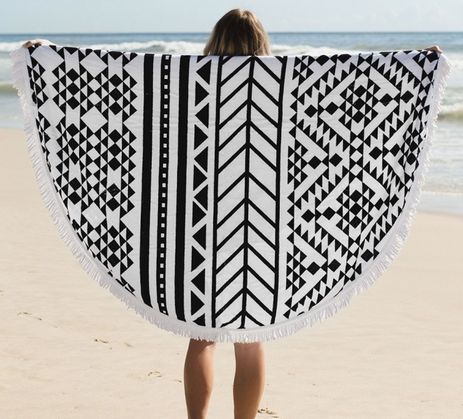 96238_The_Beach_People_The_Aztec_Towel_2