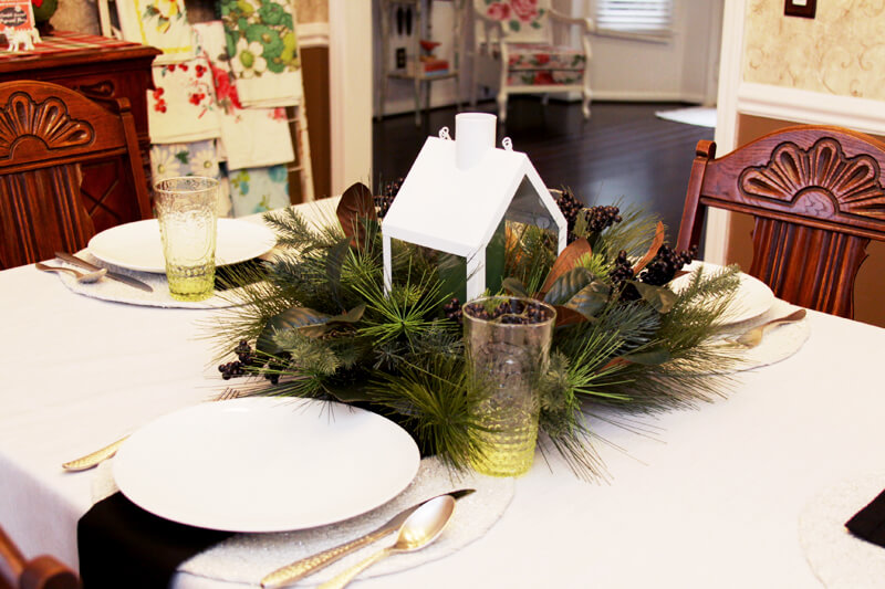 Christmas table settings, Chrstmas tablescape