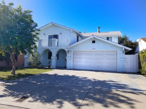 11755 Bellflower Blvd Bellflower, CA 90241 | 6 BED | 4 BATH | 3,070 LIVING SQ FT