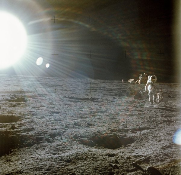 The Apollo 12 Crew's Casual Photography Looks Like Space ...