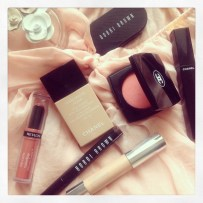 A girly pink makeup day