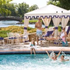 Pool - Broadmoor Resort