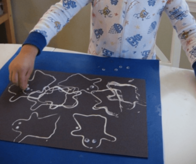 Cookie Cutter Ghosts - Halloween Crafts for Toddlers