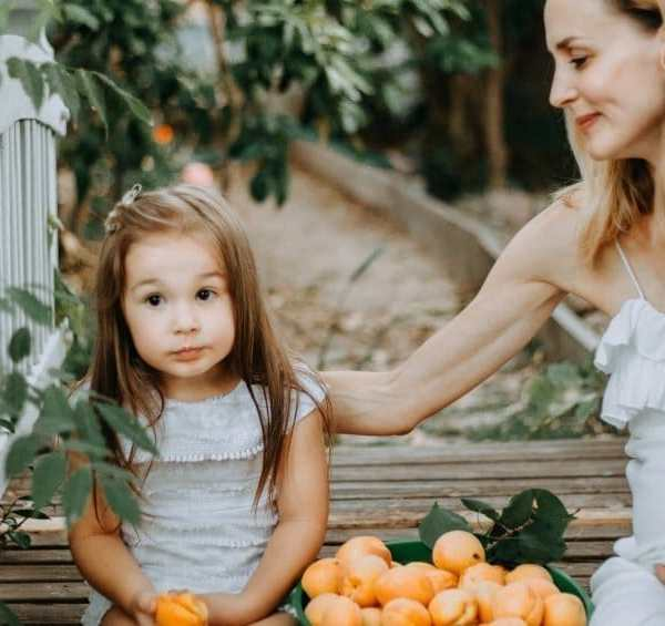 10 Ridiculously Simple Ways to Become a Happier Mom
