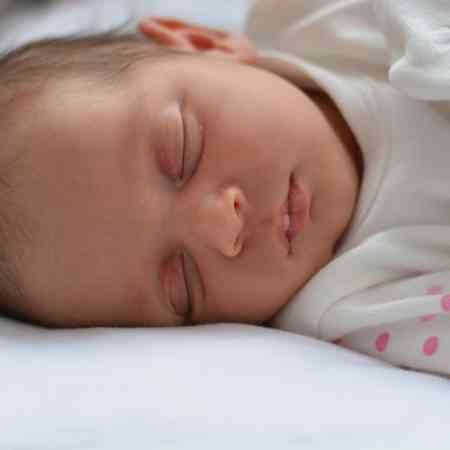 best sleep temperature for baby