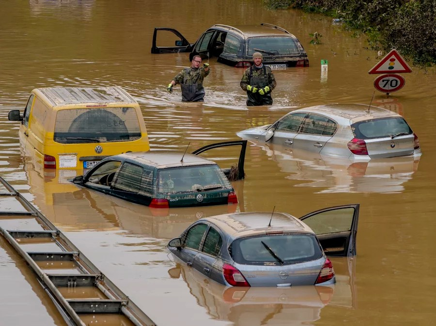 Climate Scientists Meet As Floods, Fires, Droughts And Heat Waves Batter Countries