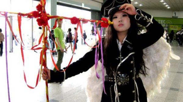 chinesische-nazi-cosplayerin