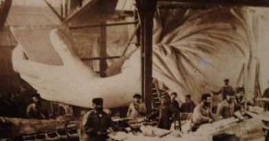 Bau der linken Hand der Freiheitstatue in der Firma Gaget