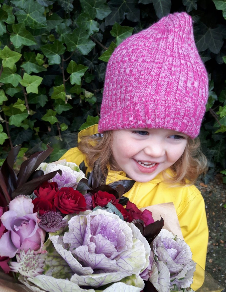 gift ideas child with flower bouquet