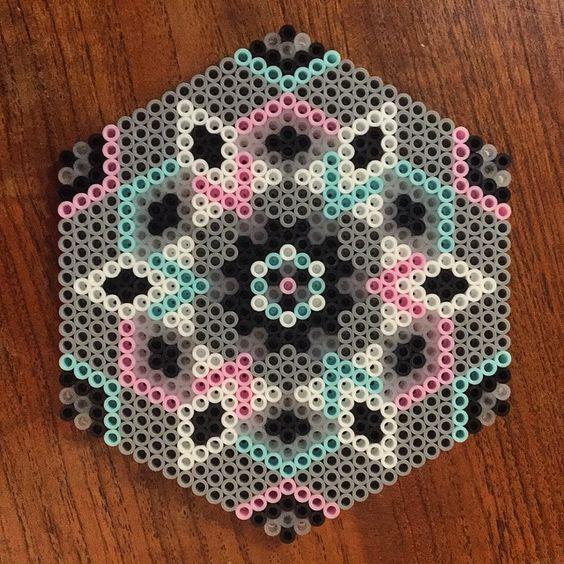 pourquoi vous devez piquer les perles repasser de vos enfants motifs addict. Black Bedroom Furniture Sets. Home Design Ideas