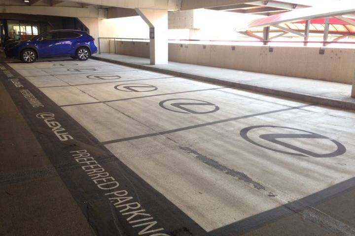 lexus-airport-parking